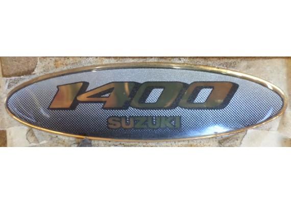 """Sticker / embleem """"1400"""" (11,3 x 3 cm.) Suzuki alg."""