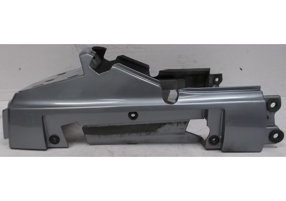 Achterkant / kont zilvergrijs (1) 14024-1228 + 14024-1229 GTR 1000