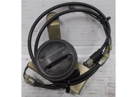 Benzinekraan kuip inclusief kabels VFR 750 F RC36