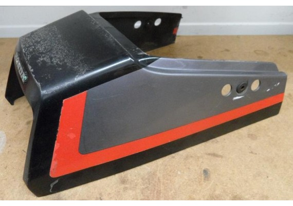 Achterkant/kont zwart/rood/zilver (1) 77200-MB3b-0100 VF 1100 S