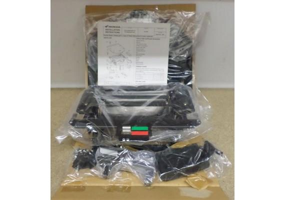 Bevestigingsset CD-speler NIEUW ! 08A06-MCA-A01 GL 1800