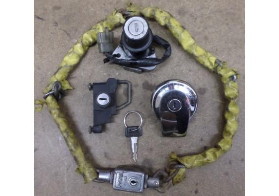 Slotenset (zie omschrijving) inclusief schakelketting XJ 650 4KO