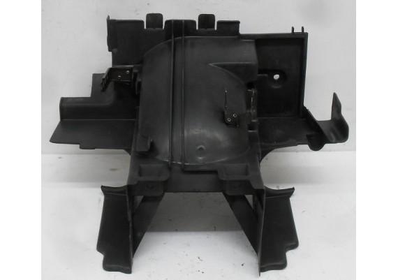 Binnenspatbord zwart 80105-MR5B-0000 PC 800