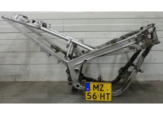 Frame met Nederlands kenteken GSX 1100 F