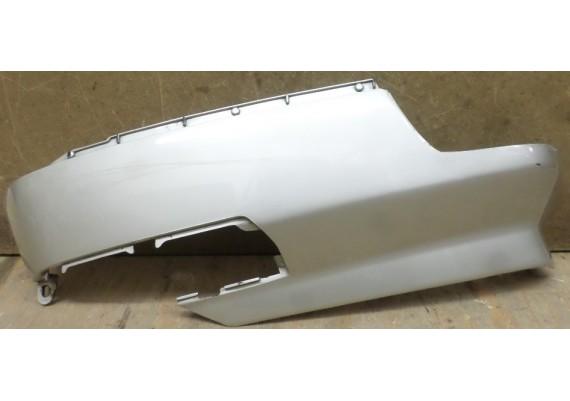 Kuipdeel kofferbak links onder zilvergrijs (1) 81440-MR5-0200 PC 800