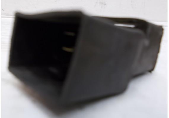 Relais 4-pins inclusief rubber CBR 900 RR SC44