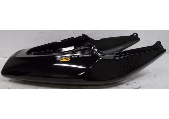 Achterkant / kont zwart (1) 77210-MBBA-0000 VTR 1000 F