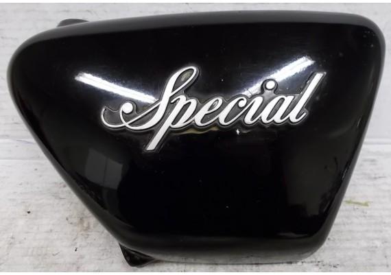 Zijkap rechts zwart (1) 21721 3F9 4R4 Special XS 400