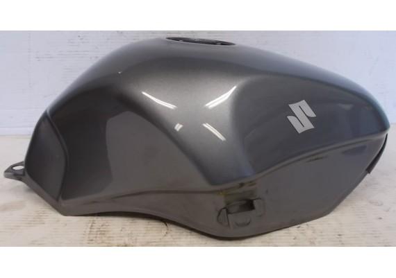 Tank zilvergrijs metallic (1) GSX 750 F