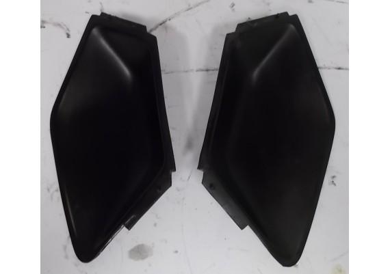 Afdekkapjes achterkant/kont zwart (set links en rechts) K 75 RT