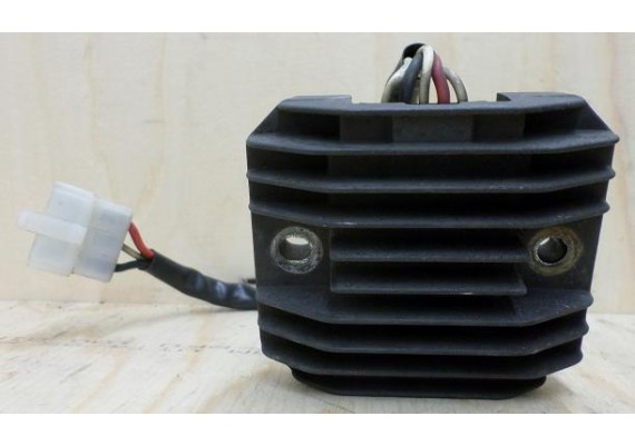 Spanningsregelaar SH650-12 FZ 400 Fazer