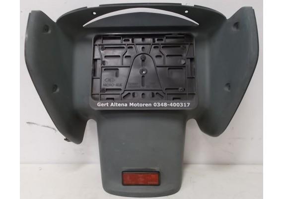Achterspatbord (1) 80101-MBLJ-D000 NT 650 V Deauville