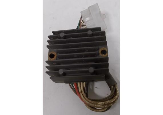 Spanningsregelaar (1) SH233 12R-A0 XJ 700 S