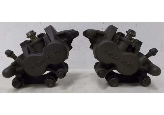Remklauwen voor (set 1) inclusief goede remblokken SV 650 N/S