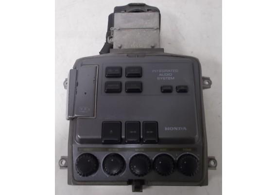 Radiobedieningspaneel middenconsole (1) PANASONIC RM1500A 39110-MN5-0130 GL 1500 J