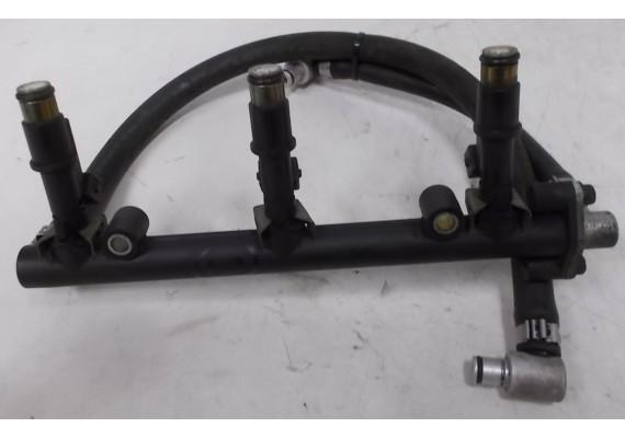 Injectorbalk (2) 1240810 inclusief injectoren !! Sprint ST