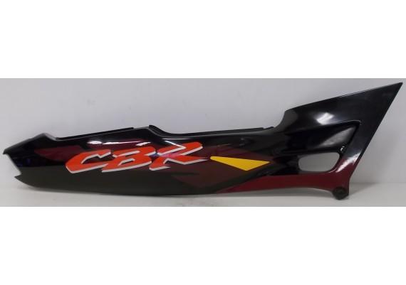 Achterkant / kont rechts zwart/paars/rood/geel (1) 83610-MV9-0000/6000 CBR 600 F3