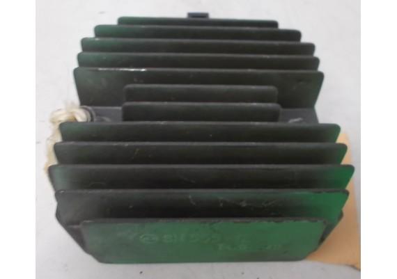 Spanningsregelaar (1) SH555-12 ZXR 400