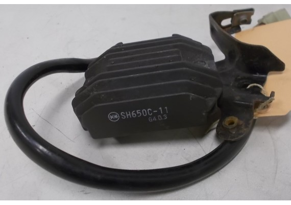 Spanningsregelaar (1) SH650C-11 FZS 1000 Fazer