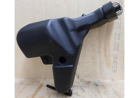 Luchtinlaatbuis rechts zwart 14073-1550 ZZR 600 1995