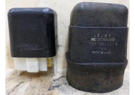 Relais 5-pins Nippon Denso inclusief rubber ZZR 600 1992