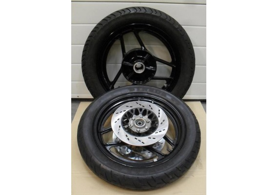 Set wielen incl. banden GSX 750 EF/ES
