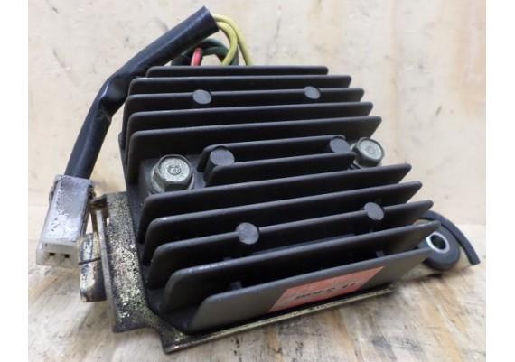 Spanningsregelaar SH538-12 op beugel VF 500 Int