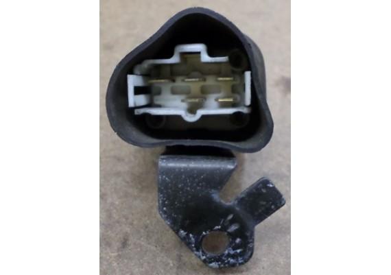 Relais 5-pins op beugel GPZ 750 R