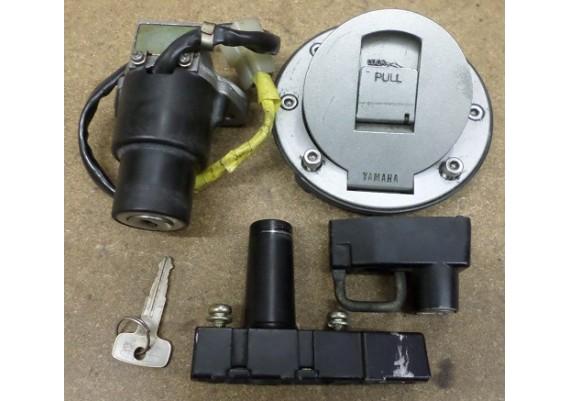 Slotenset (zie omschrijving) FZ 600