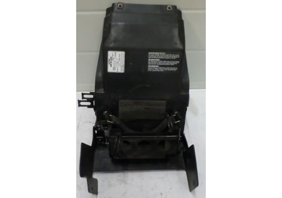Binnenspatbord / accubak GSXR 1100